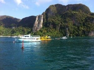 A-great-day-with-thai-tourists-2